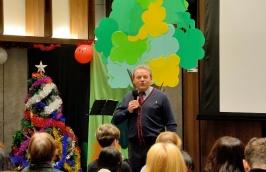 председатель РК Тайвань А. Браславский открывает праздник детской Новогодней Ёлки